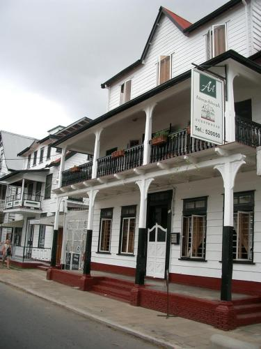 http://www.booking.com/hotel/sr/guesthouse-albergoalberga.html?aid=1728672